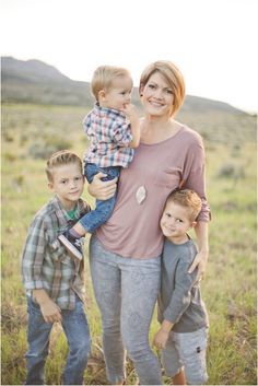 Amie Pendle Photography » blog Mom, mother, husband, wife, boy, boys, children, family portraits outdoors, natural light