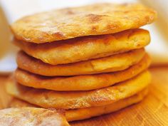 Onion Rings, Hot Dog Buns, Apple Pie, Pancakes, Bread, Baking, Breakfast, Ethnic Recipes, Desserts