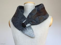 Dark de Luxe is a darker and misterious brother of our signature redhead Fox de Luxe: https://www.etsy.com/listing/81966136/fox-de-luxe?ref=shop_home_active_2 Just like every member of our felted animal scarves family he is made by hand using 100% wool. Dark de Luxe in details: ∙ his length