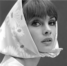 Jean Shrimpton with a Daisy print head scarf, you can't get more 60's than that!