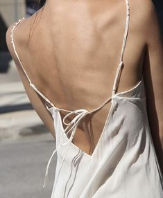 Backless dress for summer Mode Style, Style Me, Spring Fashion, Autumn Fashion, Style Urban, Vintage Outfits, Beige Outfit, Minimal Fashion, Fashion Design