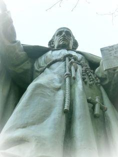Sacro Monte Varallo UNESCO - Statua del Beato Caimi, fondatore del Sacro Monte #sacrimontisocial