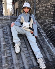 Image in my style -streetwear- collection by yenedit Aesthetic Fashion, Aesthetic Clothes, Look Fashion, 90s Fashion, Korean Fashion, Winter Fashion, Fashion Outfits, Urban Aesthetic, Outfits With Hats