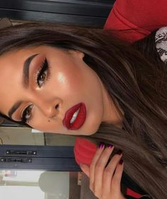 makeup kaise karen makeup tips makeup hindi mac makeup makeup guide eyeshadow makeup makeup glitter makeup tutorial natural look Glam Makeup, Red Lips Makeup Look, Makeup On Fleek, Cute Makeup, Gorgeous Makeup, Hair Makeup, Makeup For Red Dress, Red And Black Eye Makeup, Sleek Makeup