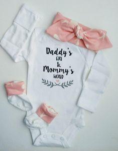 Daddys Girl onesie Mommys World onesie Baby Girl Coming