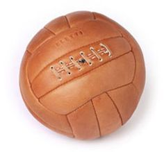 When I started playing football, the ball looked like this (except usually covered in thick mud). Nothing as beautiful as a ball, a yard of grass and the possibility of a perfect pass Vintage Football, The Good Old Days, Vintage Leather, Mens Fashion, Retro, Mud, Grass, Memories, Google