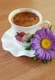 Coffee Vs Tea, Coffee Cafe, Coffee Drinks, Good Morning Coffee, Coffee Break, Gif Café, Slimming Green Tea, Coffee Biscuits, Coffee Pictures