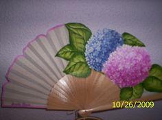 hortensias bicolor Hand Fans, Umbrellas, Painted Fan, Hydrangeas, Hand Fan