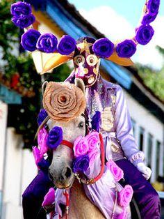 Pirenópolis: Liminar a favor dos Mascarados de Pirenópolis