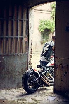 bobber motocycler on shock mansion album Chopper Motorcycle, Bobber Chopper, Cafe Racer Motorcycle, Motorcycle Clubs, Motorcycle Garage, Vintage Motorcycles, Custom Motorcycles, Custom Bikes, Cars And Motorcycles