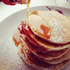 Placki z płatkami owsianymi (bez masła, cukrów i soli,1 szkl płatków i 1/2 mąki) Oat Pancakes, Breakfast Recipes, Breakfast Ideas, Food Photography, Yummy Food, Favorite Recipes, Sweets, Lunch, Eat