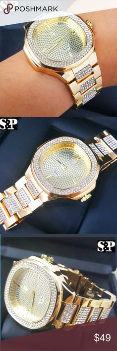 "Luxury Designer Style Bling Gold finished watch 100% brand new  HIP HOP Style  Brand : Techno Pave  Case Size : 45mm x 45mm   Band Size : 9""  Finish: 14K Gold Plated  Metal: Stainless Steel  Stone: Lab Simulated diamonds  Movement: Quartz Japan  Battery included.  Gender: Men's  Removable Links (Adjustable) Accessories Watches"