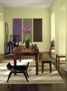Essplatz rustikal Holzmöbel grüne Farbe Wanddeko