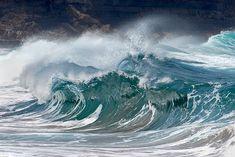 Waves Olas / 0726DSC by Rafael González de Riancho (Lunada) / Rafa Rianch, via Flickr