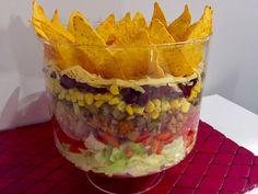 Najlepsze przepisy na sałatki! - Blog z apetytem Shredded Beef Burritos, Appetizer Recipes, Appetizers, Big Mac, Guacamole, Oatmeal, Food And Drink, Pudding, Dinner