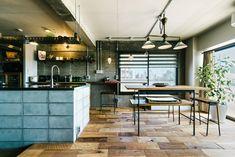 好きなモノと暮らす。40代夫婦のインダストリアルヴィンテージな家   WORKS   大阪・神戸・沖縄でリノベーションならアートアンドクラフトへ! Table, Furniture, Home Decor, Interior Design, Home Interior Design, Desk, Tabletop, Arredamento, Desks