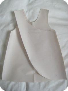 How to draft a pattern for a reversible cross over pinafore