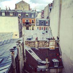 #detail#toitsdeparis#ambiance#charme#jadoreparis#photo#parisien#paris#architecture#immobilierdeluxe#immobilierdefamille#immobilier#luxuryrealestate#realestate#oscarimmobilier