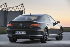 Volkswagen Arteon met is in de maak - TopGear Volkswagen Models, Car Volkswagen, Vw Cars, Race Cars, My Dream Car, Dream Cars, Oil Change, Car In The World, Car Detailing