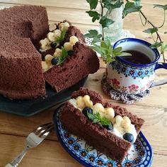 手土産に手作りのケーキを持っていけたら素敵ですよね。でも「ケーキ作りは難しそう」「面倒くさそう」と思って諦めている人はいませんか?そんな人にすっごくおすすめなのがシフォンサンドです。簡単なのにすっごくおしゃれに作れます。ぜひチェックしてみてください。