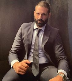Ungroomed tresses could make you really feel soiled and look older. Shaving product in addition Formal Men Outfit, Beautiful Men Faces, Smart Outfit, Bear Men, Dapper Men, Hairy Chest, Great Beards, Suit And Tie, Well Dressed Men
