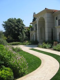 Talk about giving your front yard some curb appeal! www.easyturf.com