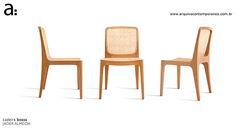 CADEIRA BOSSA - Jader Almeida - Premiada em 2008 - Estrutura de madeira maciça com encosto de palha rattan, assento com palha rattan, estofado ou de madeira dimensões L51 x A87 x P52,5