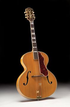 This looks like an ordinary post-war Epiphone Emperor that could date anywhere from 1946 until but its interior. Item was passed Jazz Guitar, Guitar Amp, Cool Guitar, Epiphone Acoustic Guitar, Archtop Guitar, Jim Morrison Movie, Jazz Artists, Gibson Guitars, Guitar Building