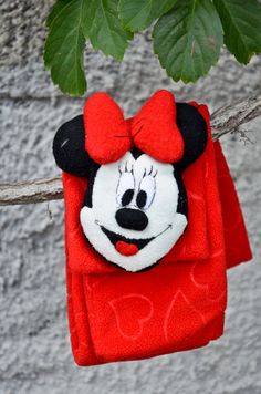 Fleece scarf for kids with character choice between by NukeMapu