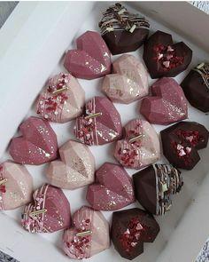 Pink-white chocolate & raspberry sponge encased in white chocolate🧁 Chocolate Covered Treats, Chocolate Bomb, Chocolate Hearts, Chocolate Molds, White Chocolate, Chocolate Shapes, Hot Chocolate Gifts, Chocolate Sponge, Cake Chocolate