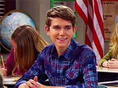 When Devan key guest starred on GMW. Honestly I died a little bit. I'm like obsessed with the Key Brothers so the fact that he was on this makes me love the show 1000000 times more