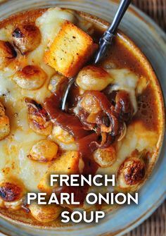 French Pearl Onion Soup – Live Play Eat Soup Appetizers Soup Appetizers dinners carb Soup Appetizers Appetizers with french onion Soup Recipes, Cooking Recipes, Cooking Onions, Soup And Sandwich, Onion Soup, French Onion, Winter Food, Soup And Salad, Soups And Stews