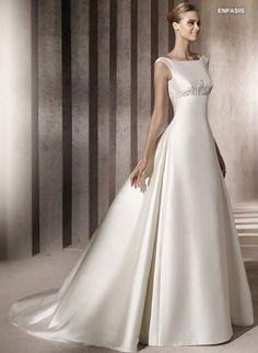 Manuel Mota for Pronovias Wedding Dresses Photos on WeddingWire Manuel Mota, Mod Wedding, Wedding Looks, Dream Wedding Dresses, Bridal Dresses, Pronovias Dresses, Pronovias Bridal, Wedding Dress Necklines, Luxury Dress