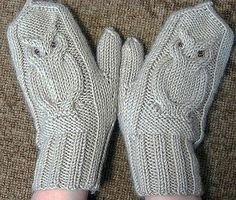 Crochet patterns hats free fingerless mitts 55 New Ideas Crochet Baby Mittens, Crochet Gloves, Knit Mittens, Knitting Socks, The Mitten, Knitting Patterns Free, Crochet Patterns, Free Pattern, Fingerless Mitts