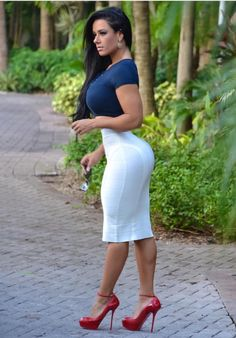 Sexy ladies in tight skirts: Photo Tight Dresses, Sexy Dresses, Tight Skirts, Fit Women, Sexy Women, Modelos Fashion, Beautiful Curves, Beautiful Women, Models