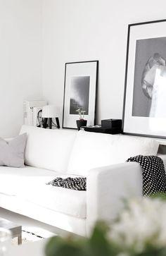 White living room (via Bloglovin.com )