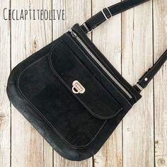 Cecile Rouâ Gaultier sur Instagram: Hello !!! Je vous montre le joli sac Polka de @patrons_sacotin que je me suis cousu !! Tout en liège noir et bouclerie rose, super…