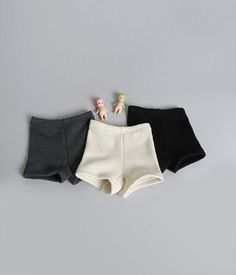 TheJany Hidden Fleece ShortsDespite the cold weather, your child can still wear these hidden fleece shorts. Finish her look with pullover or knit top, leggings and slip-on rubber shoes.-Pull on-Fleece warmer-Mid thigh hemline-Colors: ivory, charcoal and black