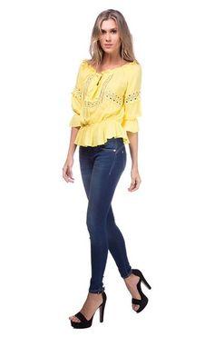 Mais looks novos lindos!! Quem gosta ?   Calça jeans Básica Isabelli  COMPRE AQUI!  http://imaginariodamulher.com.br/look/?go=2c9Dq87