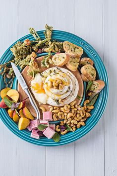 Baked Camembert with Honeyed Cashews and Fried Veggie Tops - Le Creuset Recipes Party Platters, Food Platters, Cheese Platters, Baked Camembert, Kneading Dough, Tapas Recipes, Food Trends, Antipasto, Veggies