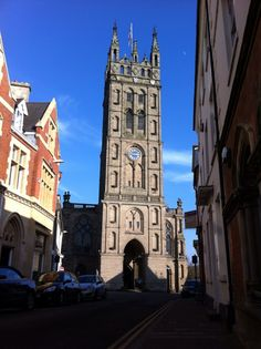 The gorgeous St Mary's Church in Warwick. San Francisco Ferry, Building, Places, Buildings, Construction, Architectural Engineering, Lugares