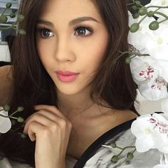 Janella Salvador (Official)'s Photos m2.facebook.com640 × 640Search by image View Full Size Filipina Actress, Filipina Beauty, Maja Salvador, Star Magic, Beautiful Women, Singer, Actresses, Bride, Celebrities