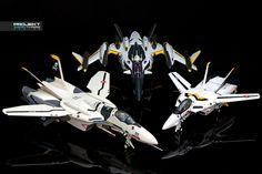 Generations: VF-0S x VF1S x YF-29 - Roy Focker Skull 01