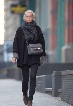 Kendall Jenner, Elsa Hosk, Julianne Moore, Karl Lagerfeld, Kris Jenner och Alessandra Ambrosio i dagens look   Red Carpet   The You Way   Aftonbladet