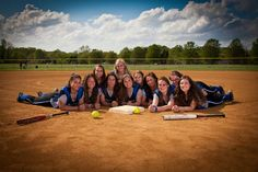photography: Having a group shot of every sport would be awesome for the sports page. Senior Softball, Softball Coach, Softball Stuff, Volleyball Drills, Volleyball Quotes, Girls Softball, Volleyball Players, Softball Hair, Volleyball Gifts