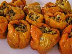 zeytinyağlı kuru biber dolması      Kuru biber dolması, kuru patlıcan dolması gibi bütün Anadolu'da yapılan kışlık yemeklerimizden. Farklı...