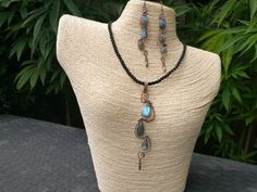 Copper wire wrapped jewel set with labradorite drops Shops, Creative People, Gems Jewelry, Copper Wire, Wire Wrapping, Turquoise Necklace, Etsy Shop, Jewels, Vintage