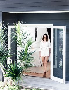 48 super Ideas for exterior cladding ideas garden studio Beach Cottage Style, Beach House Decor, Coastal Style, Coastal Decor, Coastal Furniture, Exterior Paint Colors, Exterior House Colors, Paint Colors For Home, Coastal Bedrooms