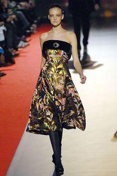 Christian Lacroix Fall 2006 Ready-to-Wear Fashion Show - Caroline Trentini (Elite)