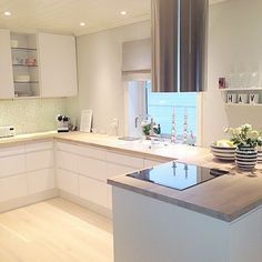 Exceptional modern kitchen room are available on our internet site. Open Plan Kitchen, Kitchen On A Budget, New Kitchen, Kitchen Decor, Kitchen Ideas, Smart Kitchen, Kitchen White, Updated Kitchen, Kitchen Styling